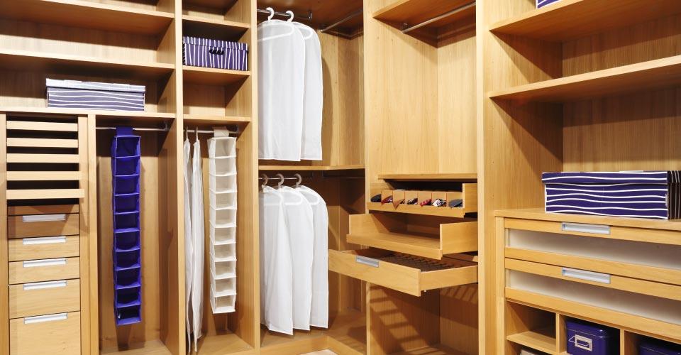 magasin enghien les bains la maison du placard. Black Bedroom Furniture Sets. Home Design Ideas