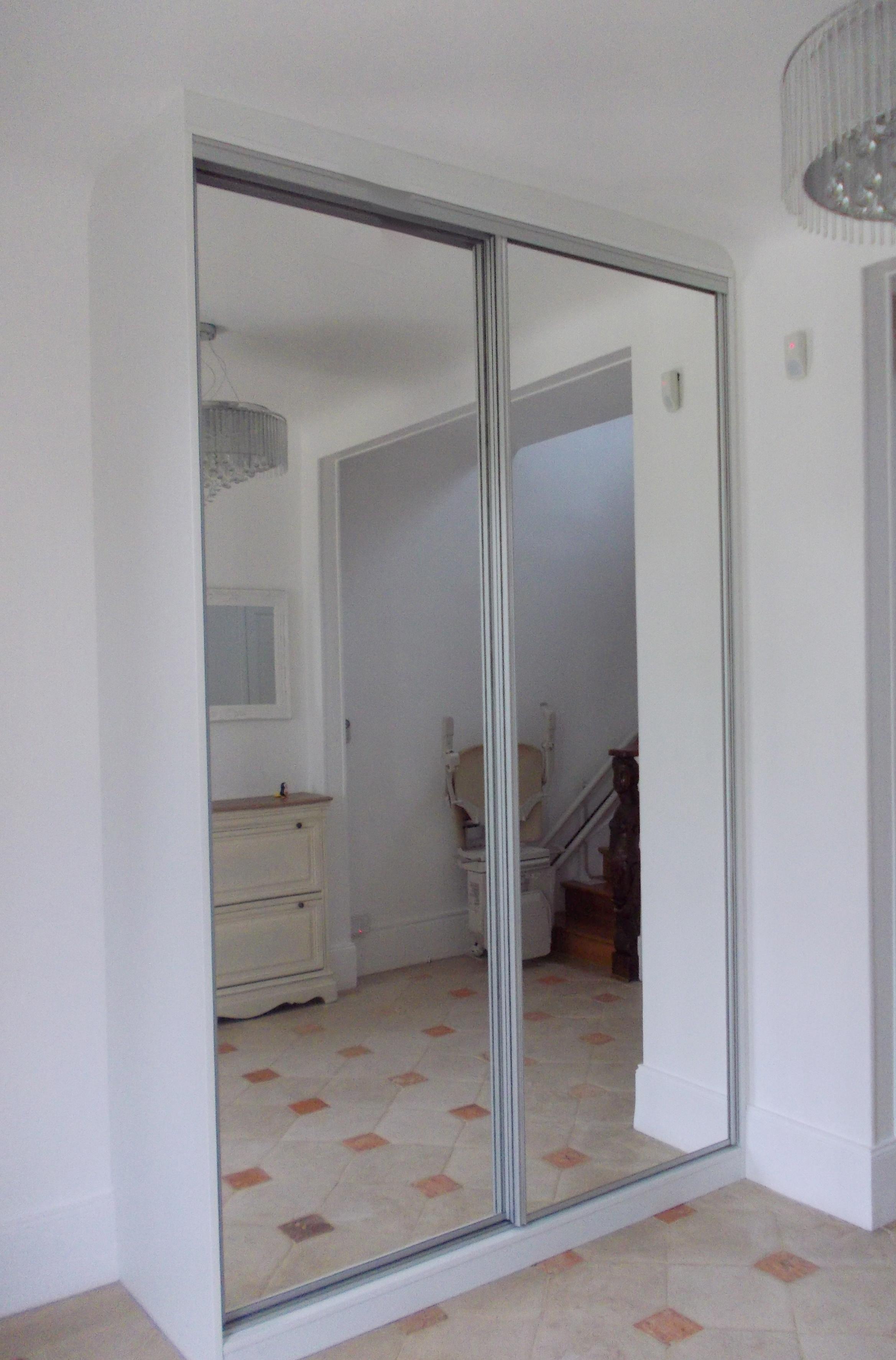 magasin sainte genevi ve des bois la maison du placard. Black Bedroom Furniture Sets. Home Design Ideas